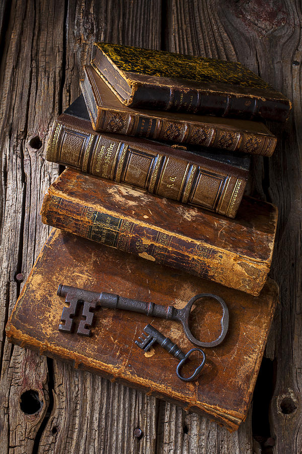 Key Photograph - Love Reading by Garry Gay