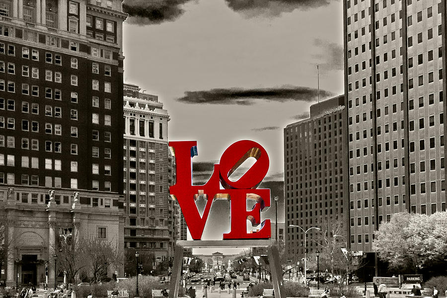 City Photograph - Love Sculpture - Philadelphia - Bw by Lou Ford