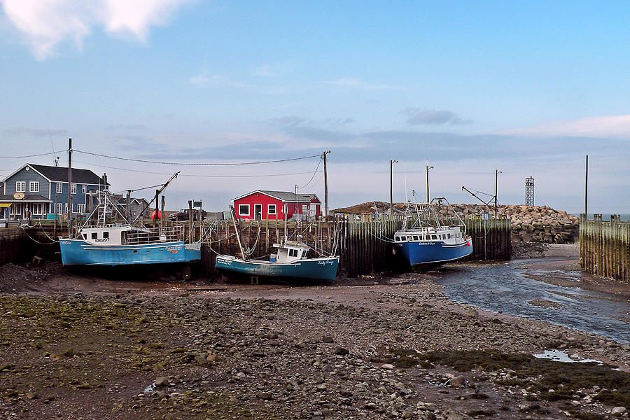 Low Tide Photograph - Low Tide At Harbourville Nova Scotia by Brian Chase