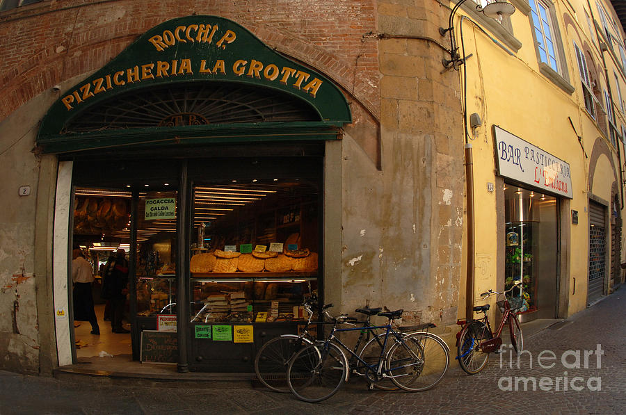 Italy Photograph - Lucca Italy by Bob Christopher