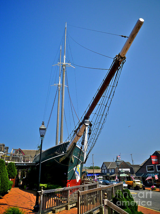 Lbi Photograph - Lucy Evelyn At Schooners Wharf by Mark Miller