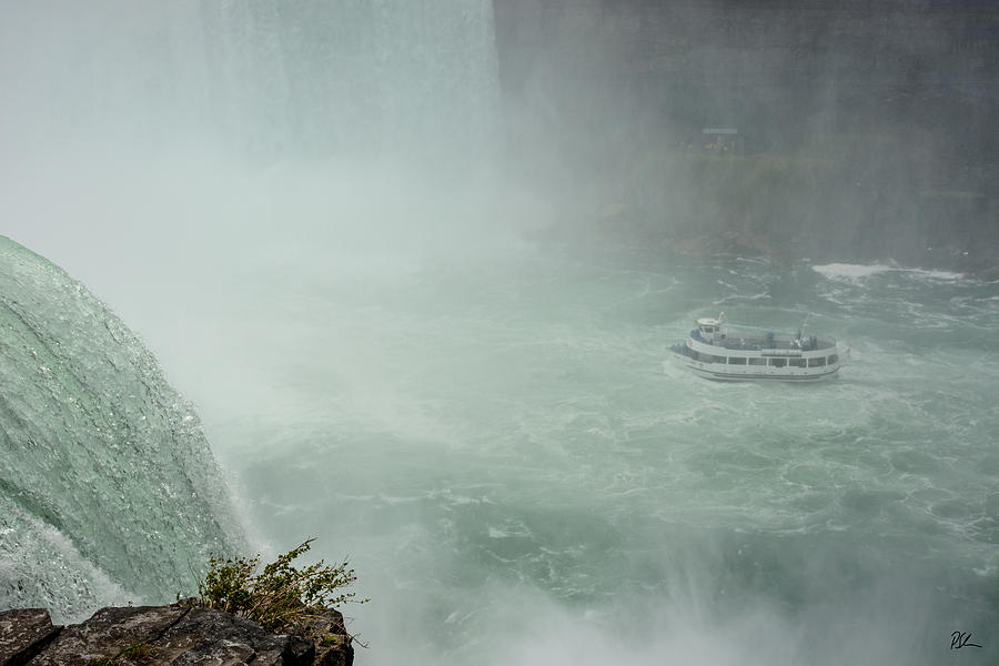 Horseshoe Falls Photograph - Maid at Horseshoe by Pat Scanlon