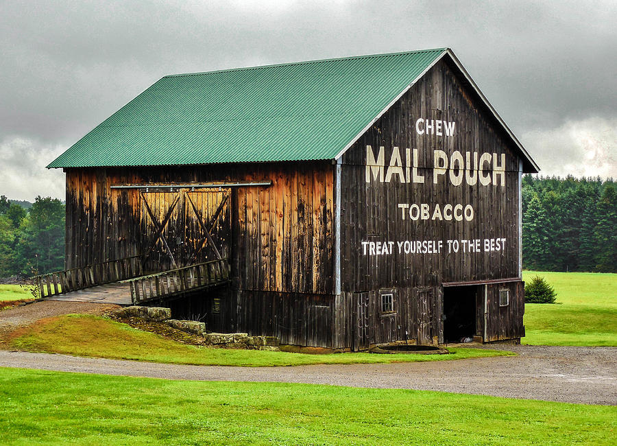Mail pouch tobacco barn photograph by anthony thomas for Tobacco barn house plans