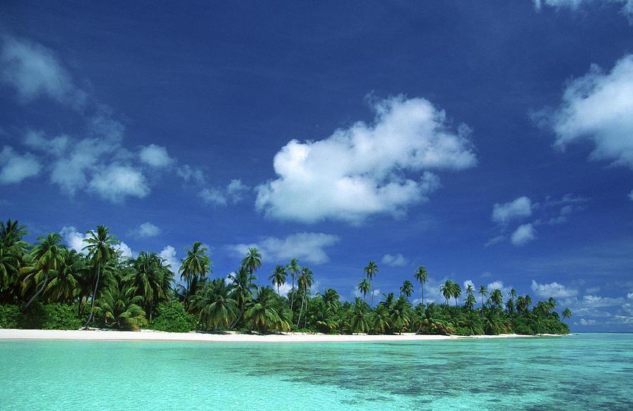 Maldives, Suvadiva Atoll, Tropical Photograph by Tropicalpixsingapore