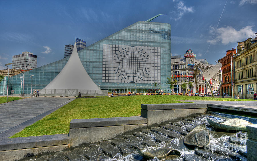 Manchester Photograph - Manchester Urbis Building by David Birchall