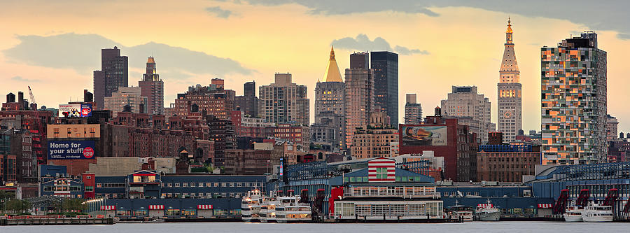 Hudson River Photograph - Manhatan Ny  by Emmanuel Panagiotakis