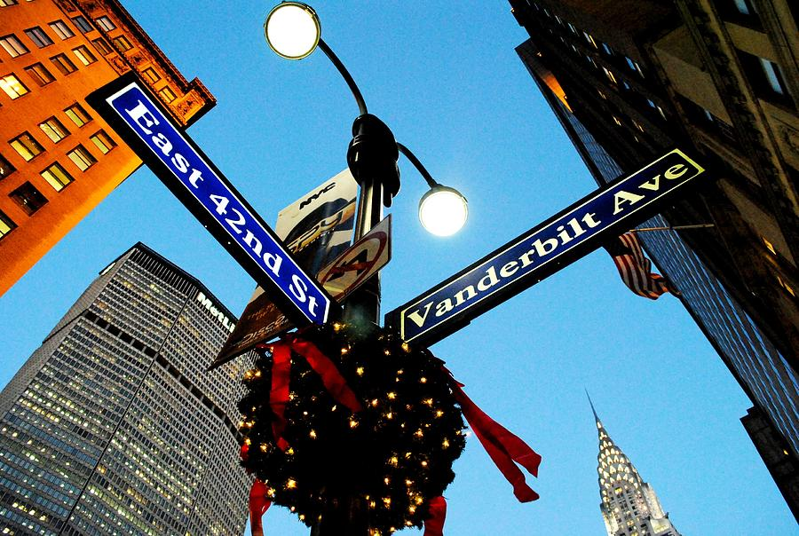 Manhattan 42nd Street Ny At Christmas Photograph by Ron Bartels