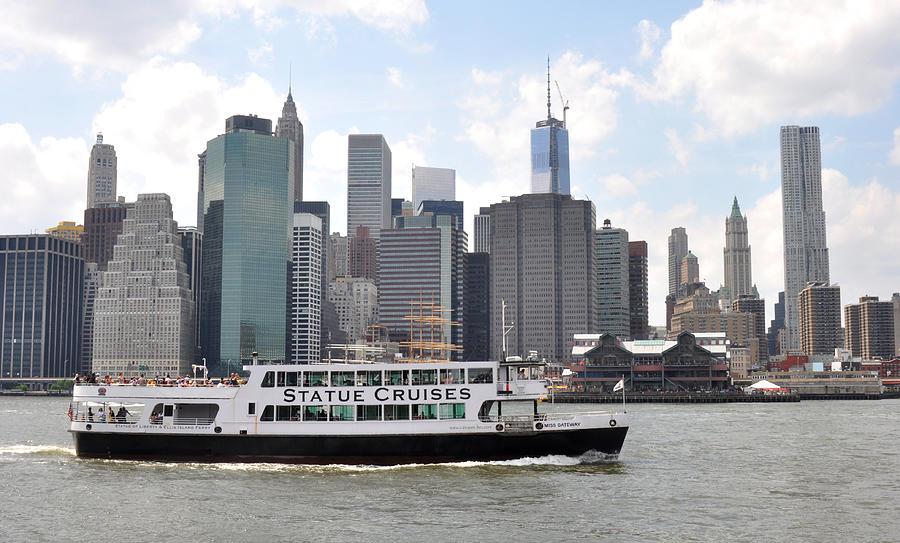 Manhattan Skyline Photograph - Manhattan Skyline With Boat by Diane Lent