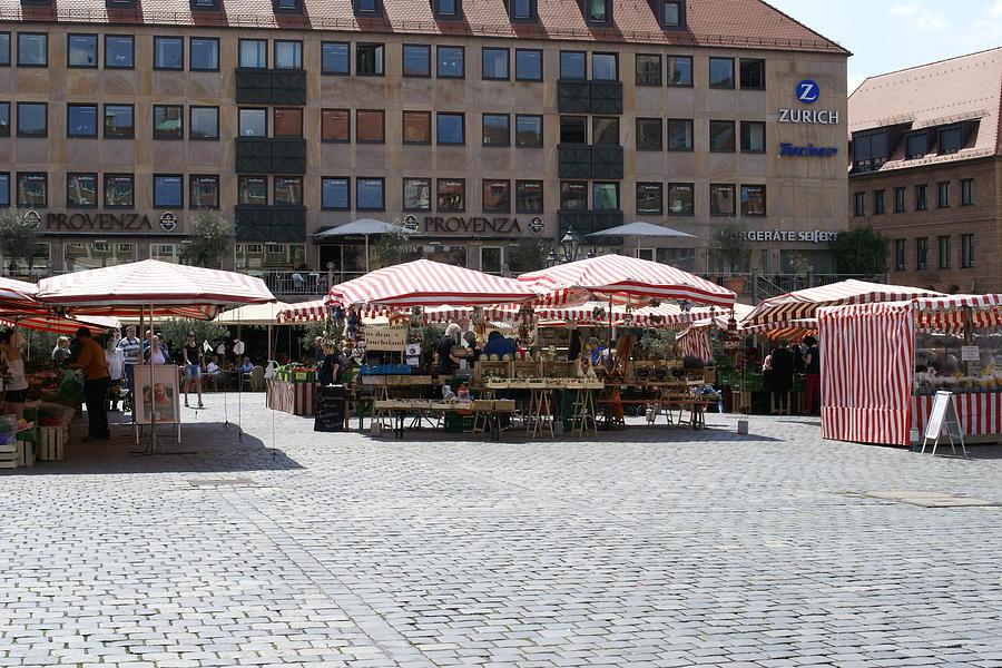 Nuernberg Photograph - Markt Platz by Heidi Poulin