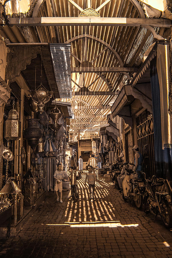 Marrakech Souk with children by Ellie Perla