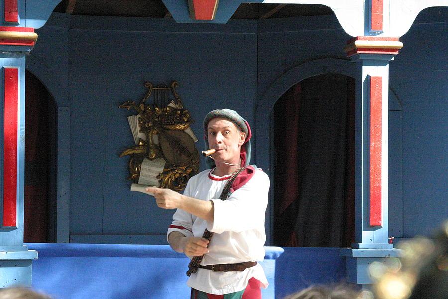 Maryland Photograph - Maryland Renaissance Festival - A Fool Named O - 121227 by DC Photographer