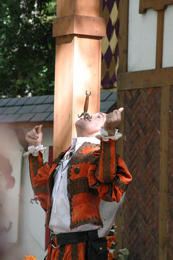 Maryland Photograph - Maryland Renaissance Festival - Johnny Fox Sword Swallower - 121233 by DC Photographer