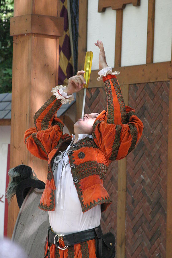Maryland Photograph - Maryland Renaissance Festival - Johnny Fox Sword Swallower - 121244 by DC Photographer