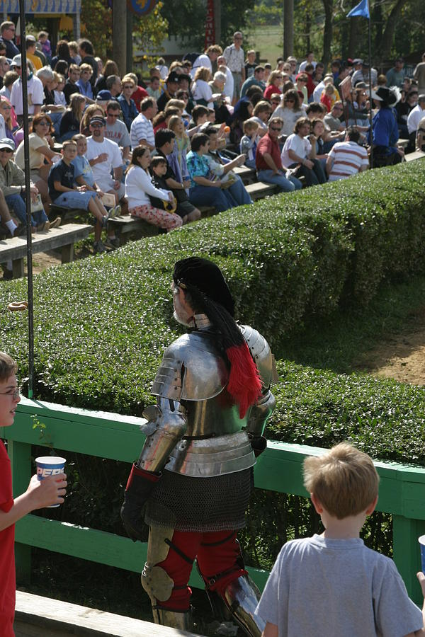 Maryland Photograph - Maryland Renaissance Festival - Jousting And Sword Fighting - 1212198 by DC Photographer