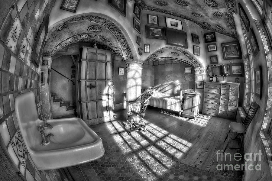 Byzantine Photograph - Master Bedroom At Fonthill Castlebw by Susan Candelario