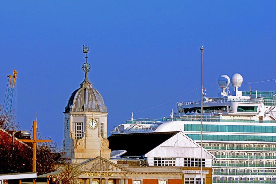 Southampton Photograph - Maxims Casino Town Quay And Ventura by Terri Waters