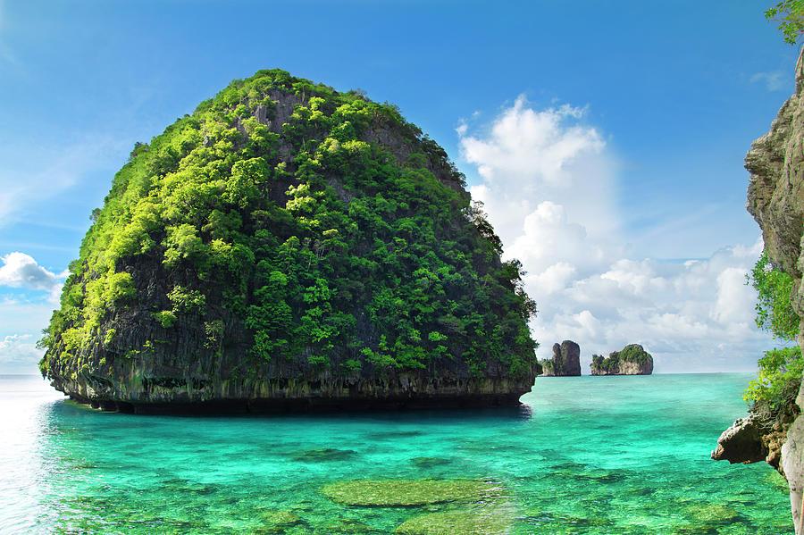 Maya Bay Paradise - Thailand Photograph by Vito elefante