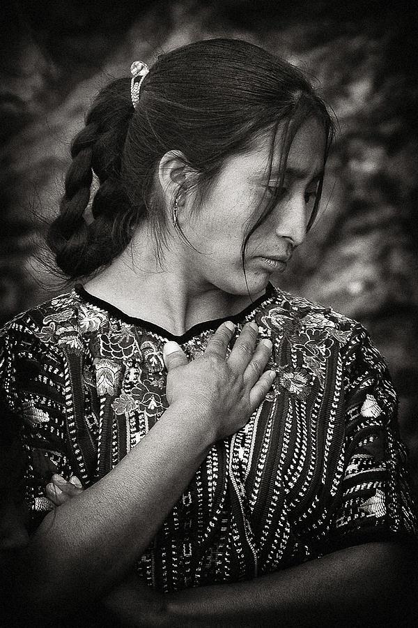 Mayan Photograph - Mayan Beauty by Tom Bell