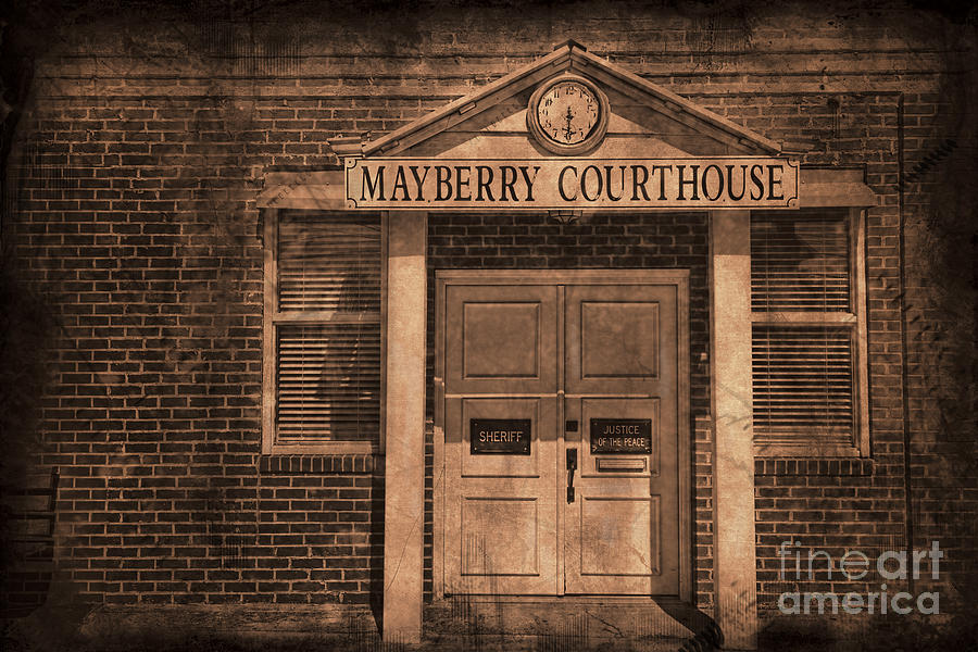 Andy Griffith Photograph - Mayberry Courthouse by David Arment