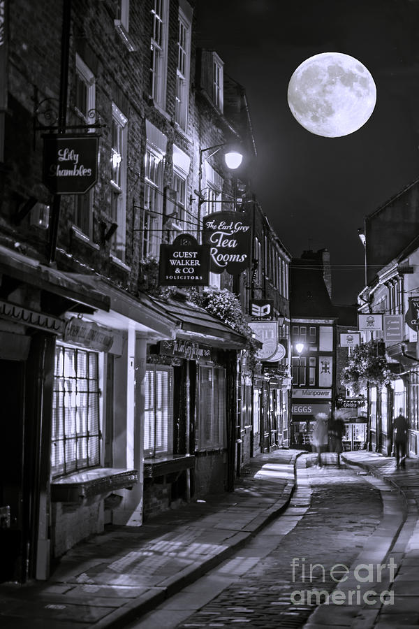 City Photograph - Medieval Street In York Bw by Lilianna Sokolowska