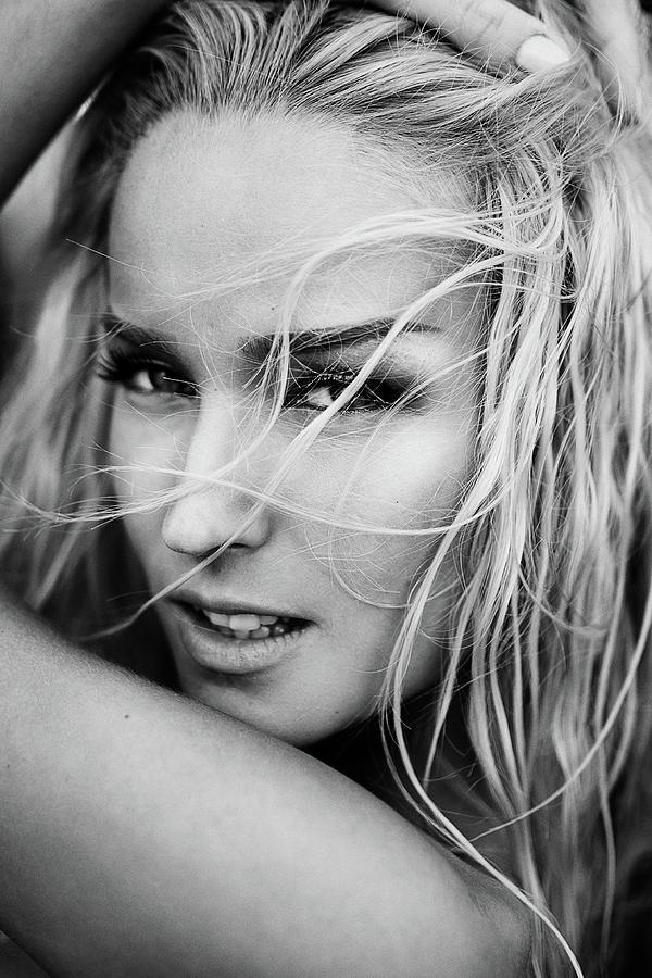 Portrait Photograph - Melissa by Martin Krystynek Qep