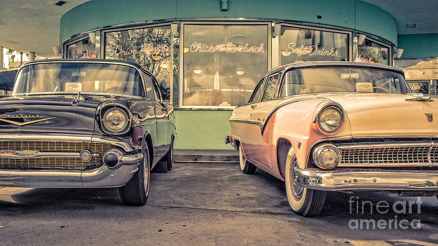 2014 Photograph - Mels Drive-in by Edward Fielding