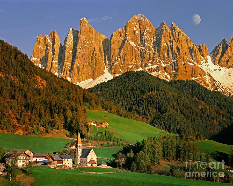 Italy Photograph - Men Of Stone by Edmund Nagele