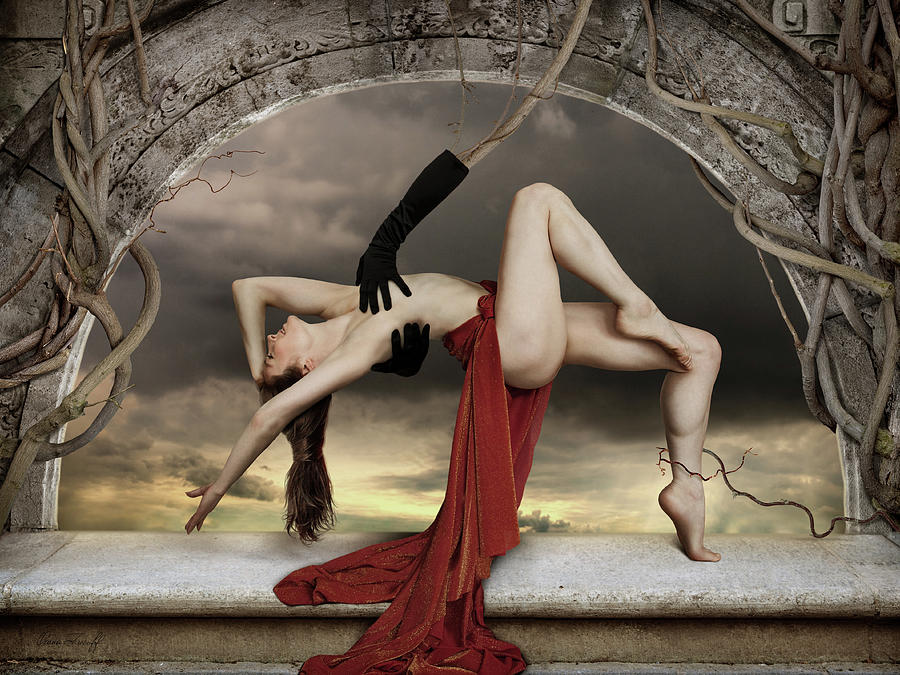 Fine Art Nude Photograph - Mendacium by Oxana Zuboff