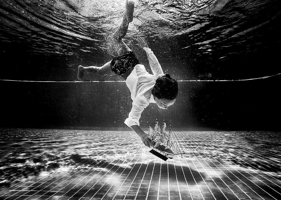 Underwater Photograph - Mercan by Murat Aslankara