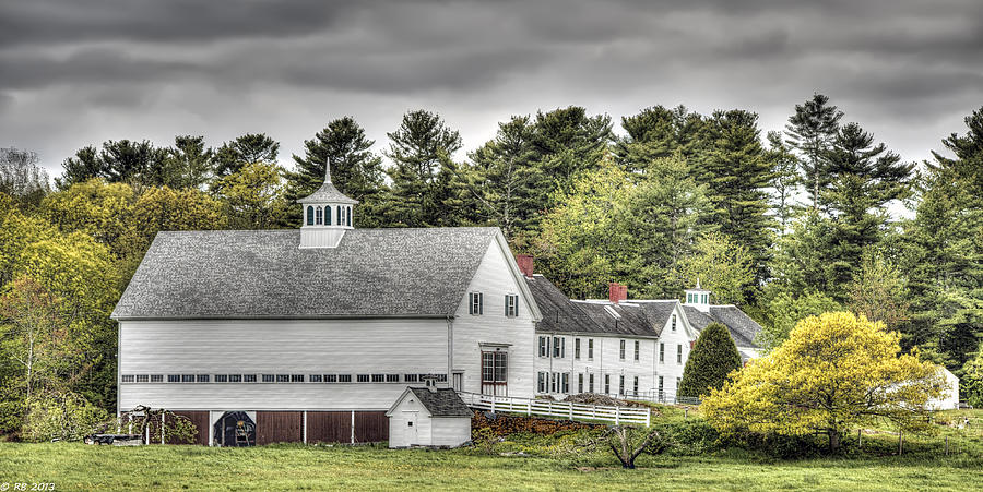 Apple Photograph - Merrucoonegan Farm by Richard Bean