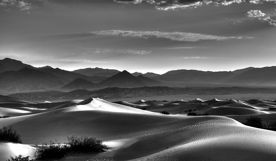 Death Valley Photograph - Mesquite Dunes by Mike Herdering