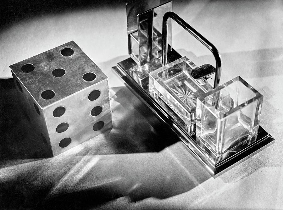 Metal Die And Crystal Smoking Set Photograph by Barre