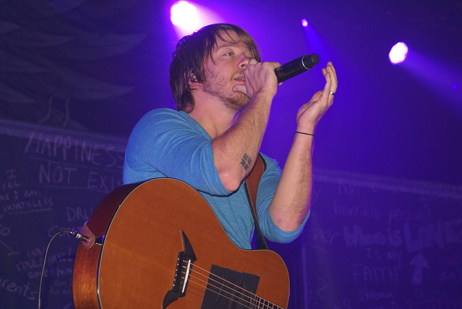 Mike donehey of tenth avenue north photograph by karen puckett for Tenth avenue north t shirts