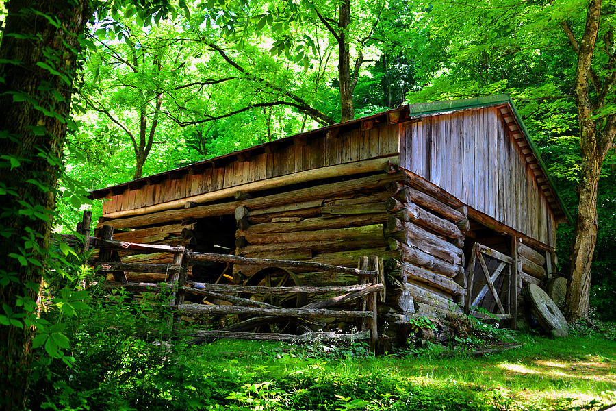 Log Cabin Photograph - Mill House Barn by David Lee Thompson