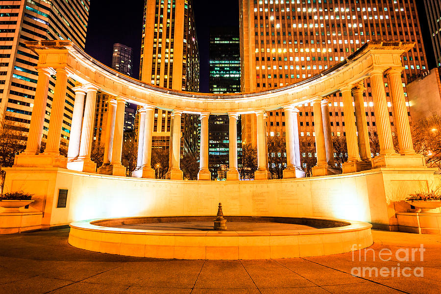 America Photograph - Millennium Monument Fountain In Chicago by Paul Velgos