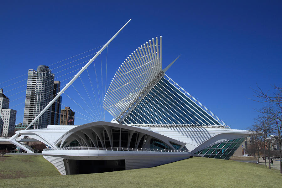 Calatrava Photos Photograph - Milwaukee Art Museum - Calatrava by James Hammen