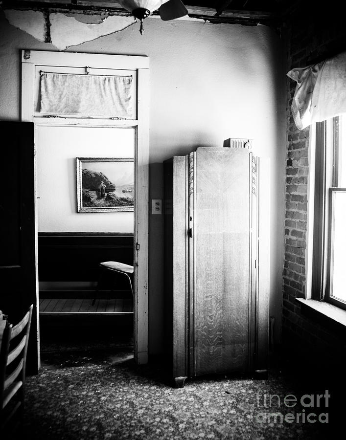 Black And White Photograph - Mineola Beckham Hotel Room In Bw by Sonja Quintero