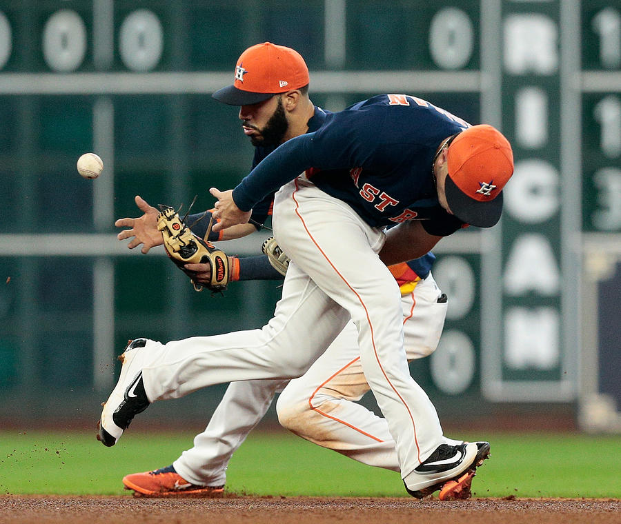 Minnesota Twins v Houston Astros Photograph by Bob Levey