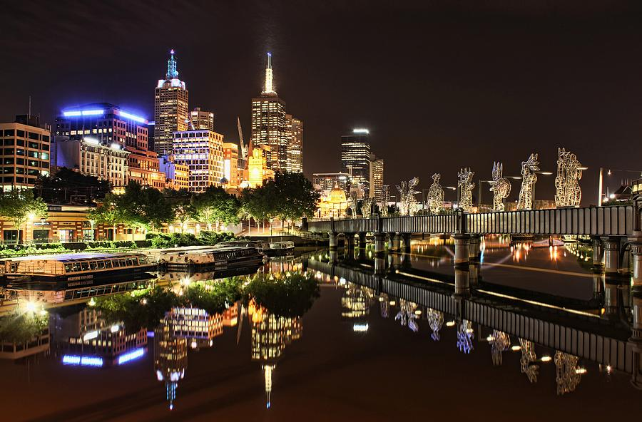 Melbourne Photograph - Mirror Image by Andrew Paranavitana
