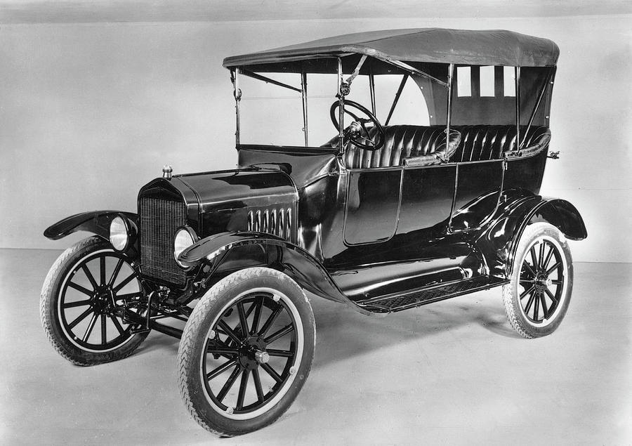 1921 Photograph - Model T Ford (1921) by Granger