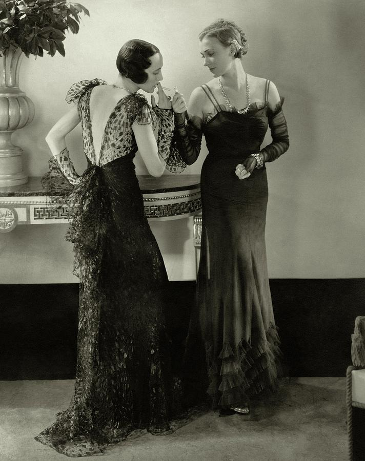 Models In Evening Gowns Photograph by Edward Steichen