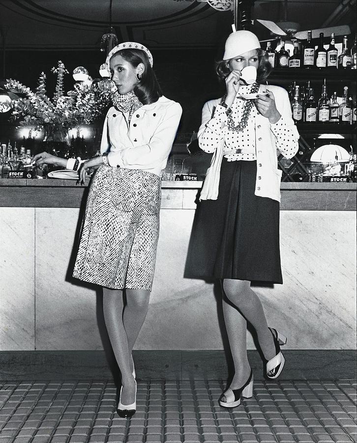 Models Wearing Cloche Hats At A Bar Photograph by Kourken Pakchanian