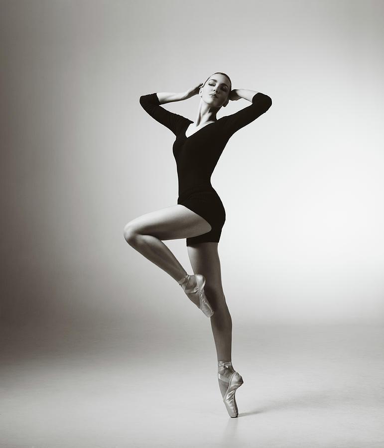 Modern Dancer Photograph by Lambada