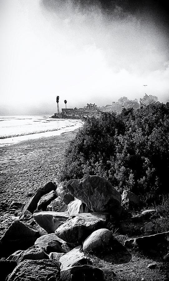 Mondos Photograph - Mondos Shoreline by Ron Regalado