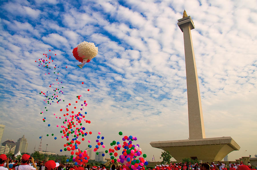 Monumen Nasional Photograph by TeeJe