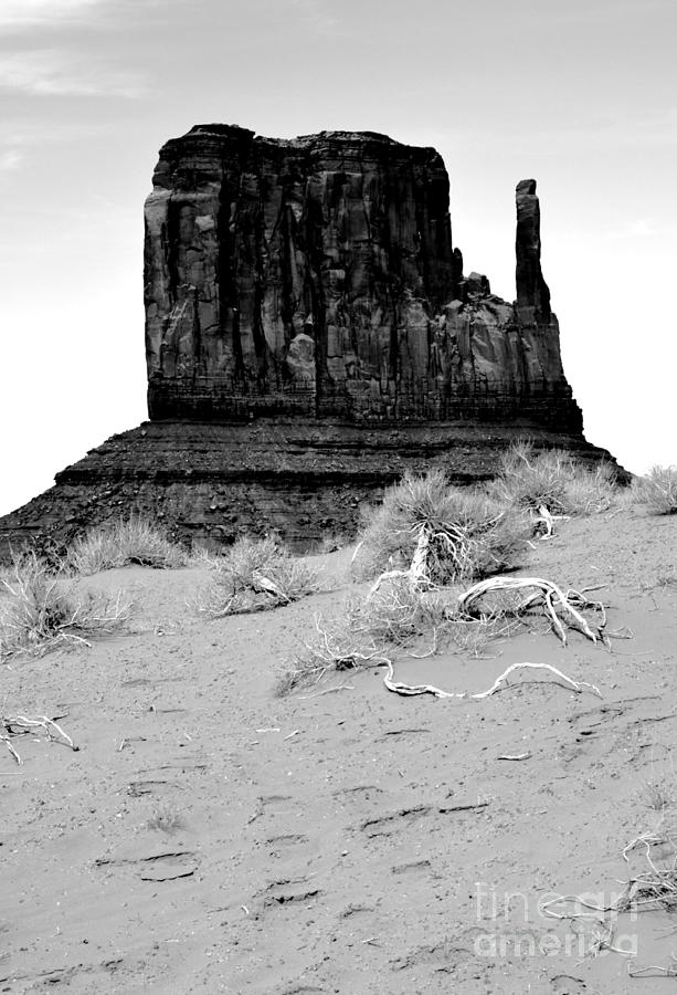 Monument valley digital art monument valley mitten monolith scenic landscape vertical black and white conte