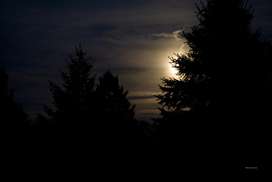 Full Moon Photograph - Moon Rising 02 by Thomas Woolworth