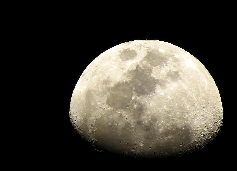 Moon Photograph - Moon by Sanjeewa Marasinghe