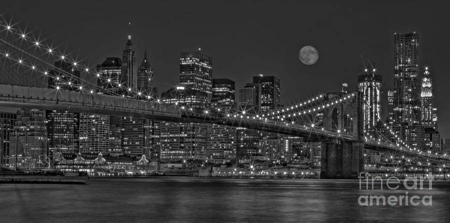 Brooklyn Bridge Photograph - Moonrise Over The Brooklyn Bridge Bw by Susan Candelario