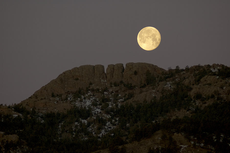 Moon Photograph - Moonset Over Horsetooth by Rich Ernst
